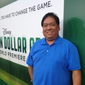 """Walking the """"green"""" carpet at the Million Dollar Arm premiere"""