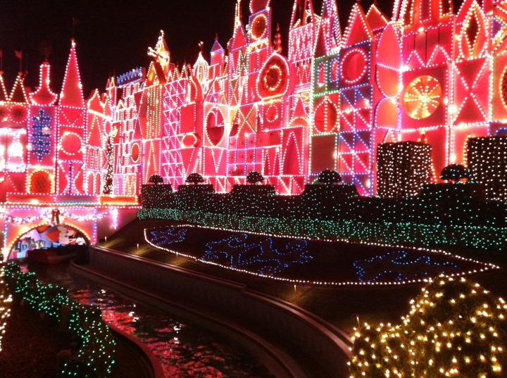 It's A Small World Holiday all lit up!