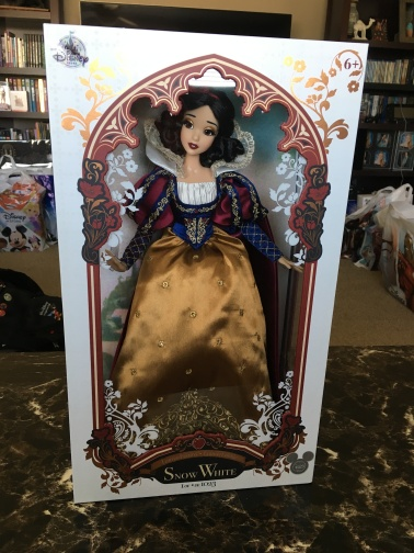 Thanks to Sorcerer access, was able to get this beautiful Snow White doll at the Disney Store Pavilion