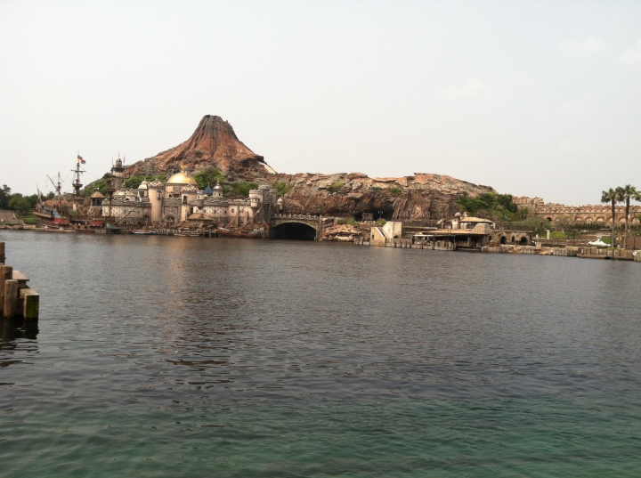 Mysterious Island, a proposed land in DisneySea became a real land in Tokyo