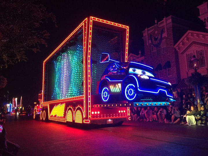 The Cars float passing by was awe-inspiring