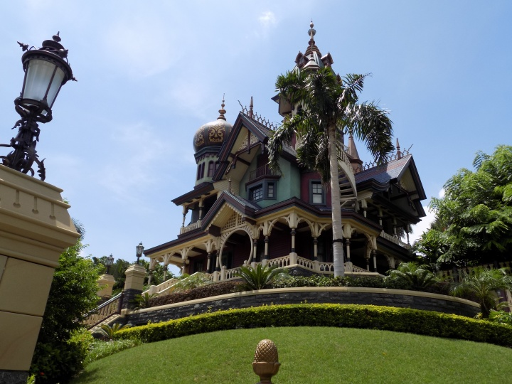 "Mystic Manor - not just ""another"" Haunted Mansion"