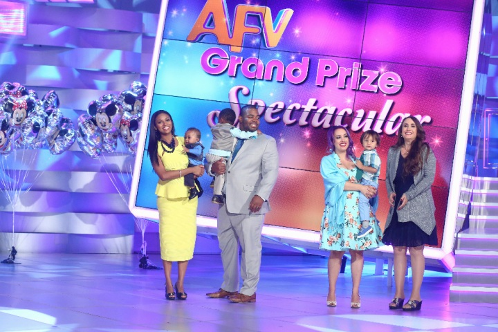 "AMERICA'S FUNNIEST VIDEOS -""Episode 2621"" - On the season finale of ""America's Funniest Home Videos,"" the season's two $100,000 winners battle it out for the grand prize. Special guests Mickey Mouse, Minnie Mouse, Goofy and Donald Duck join Alfonso as he announces the grand prize winner who will receive an unforgettable vacation for six to the Walt Disney World(r) Resort in Florida and the new Shanghai Disney(r) Resort in China opening in June. Former ""AFV"" host Tom Bergeron returns to play ""Who Breaks It?"" with Alfonso, on the Season Finale of ""America's Funniest Home Videos,"" SUNDAY, MAY 22 (7:00-8:00 p.m. EDT), on the ABC Television Network. (ABC/Michael Ansell)"