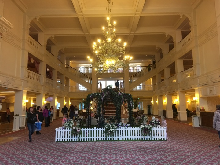 The lobby as you enter into the hotel. Beautiful chandelier but overall not as impressive as the other top-tier hotels. The Grand Californian and Tokyo Disneyland Hotel come to mind as two of the most impressive