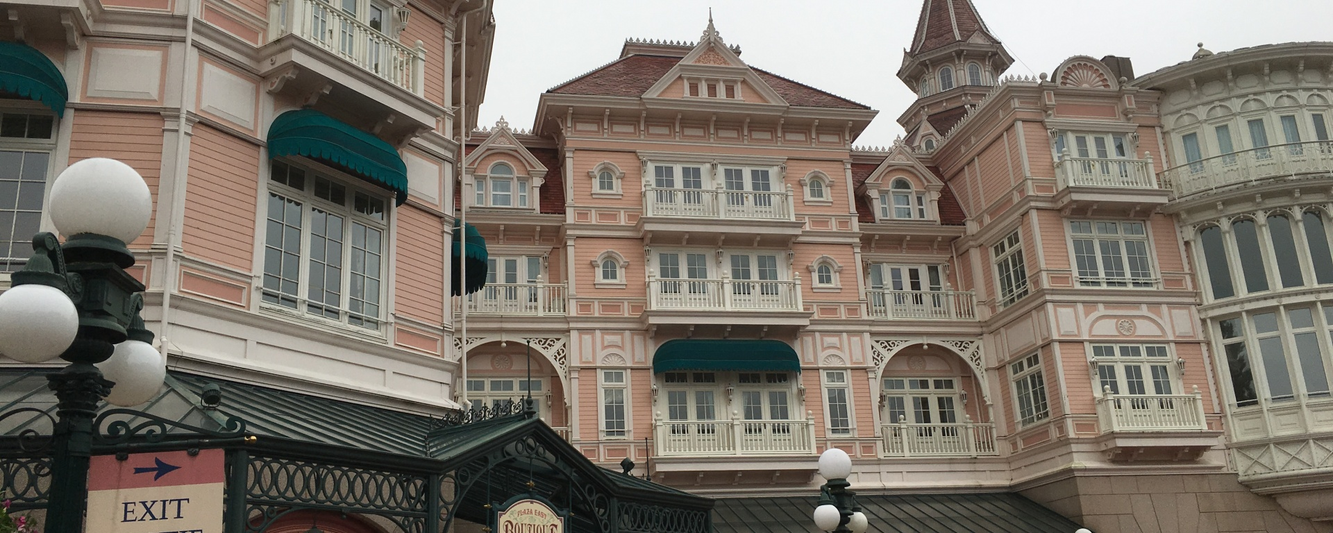 An American In Disneyland Paris Hotel Pros And Cons