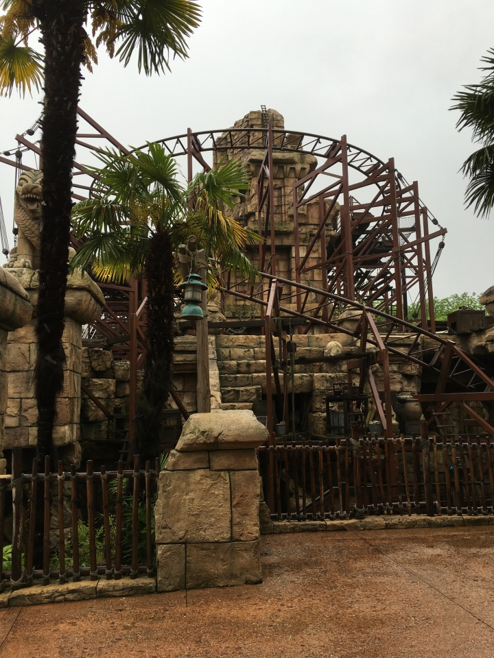 Indiana Jones and the Temple of Peril doesn't have much of a unifying theme but makes for a fantastic ride