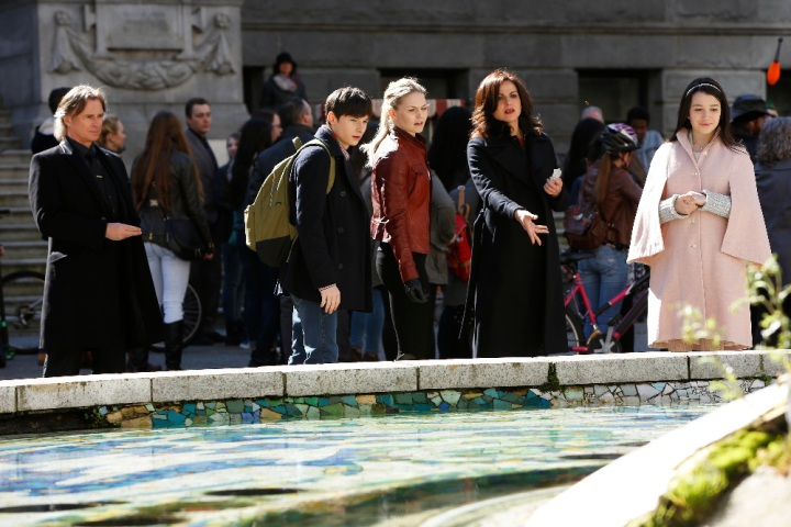 "ONCE UPON A TIME - ""An Untold Story"" In the second hour, with the possibility of magic being destroyed and the fate of Storybrooke hanging in the balance, it's a race for Emma and Regina to track down Henry before Gold can find him first. Regina continues to struggle with her frustrations over her former evil-self and, elsewhere, Snow, David, Hook and Zelena are imprisoned and must contend with very two very disturbed individuals that may give Gold a run for his money. The season finale of ""Once Upon a Time"" airs SUNDAY, MAY 15 (8:00-9:00 p.m. EDT), on the ABC Television Network. (ABC/Eike Schroter) ROBERT CARLYLE, JARED GILMORE, JENNIFER MORRISON, LANA PARRILLA, OLIVIA STEELE FALCONER"