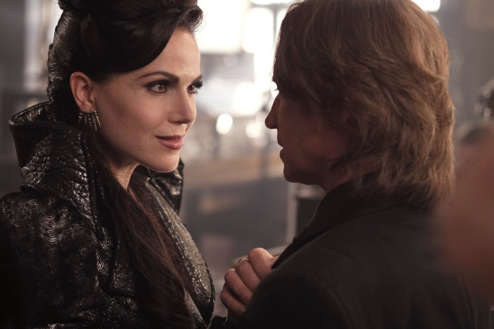 "ONCE UPON A TIME - ""A Bitter Draught"" - When a mysterious man from the Land of Untold Stories, who has a past with the Evil Queen, arrives in Storybrooke, David and Snow work together with Regina to neutralize the threat. Belle seeks Hook's help finding a safe place to hide away from her husband, Mr. Gold. The Evil Queen continues to try to win Zelena over to her side, while Emma resumes her therapy sessions with Archie and shares her terrifying vision of the future, on ""Once Upon a Time,"" SUNDAY, OCTOBER 2 (8:00-9:00 p.m. EDT), on the ABC Television Network. (ABC/Eike Schroter) LANA PARRILLA, ROBERT CARLYLE"