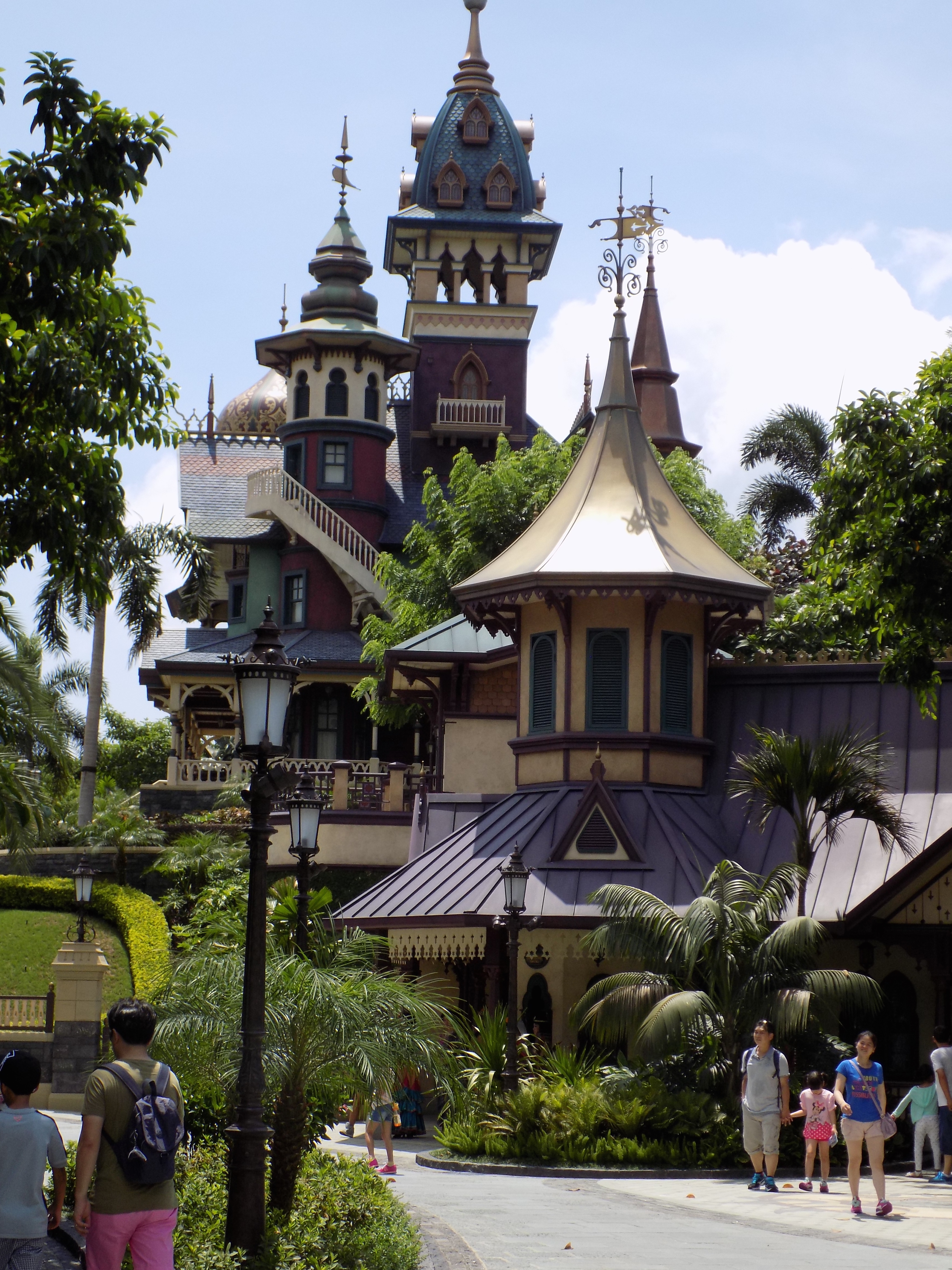 Mystic Manor looks completely different from one side to the next - just as different as the experience within the ride from all other Haunted Mansions