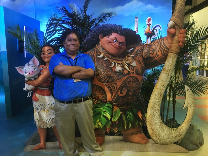 Moana and Maui were kind enough to pose with me for this pic along with Heihei and Pua