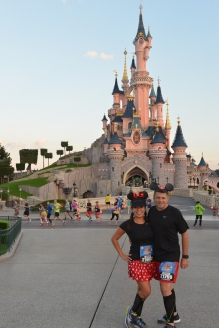 Even in Paris fans get dressed up for the run! © Disney / As to Disney properties