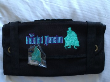 Haunted Mansion pin bag with LE 300 glow in the dark Hatbox Ghost pin