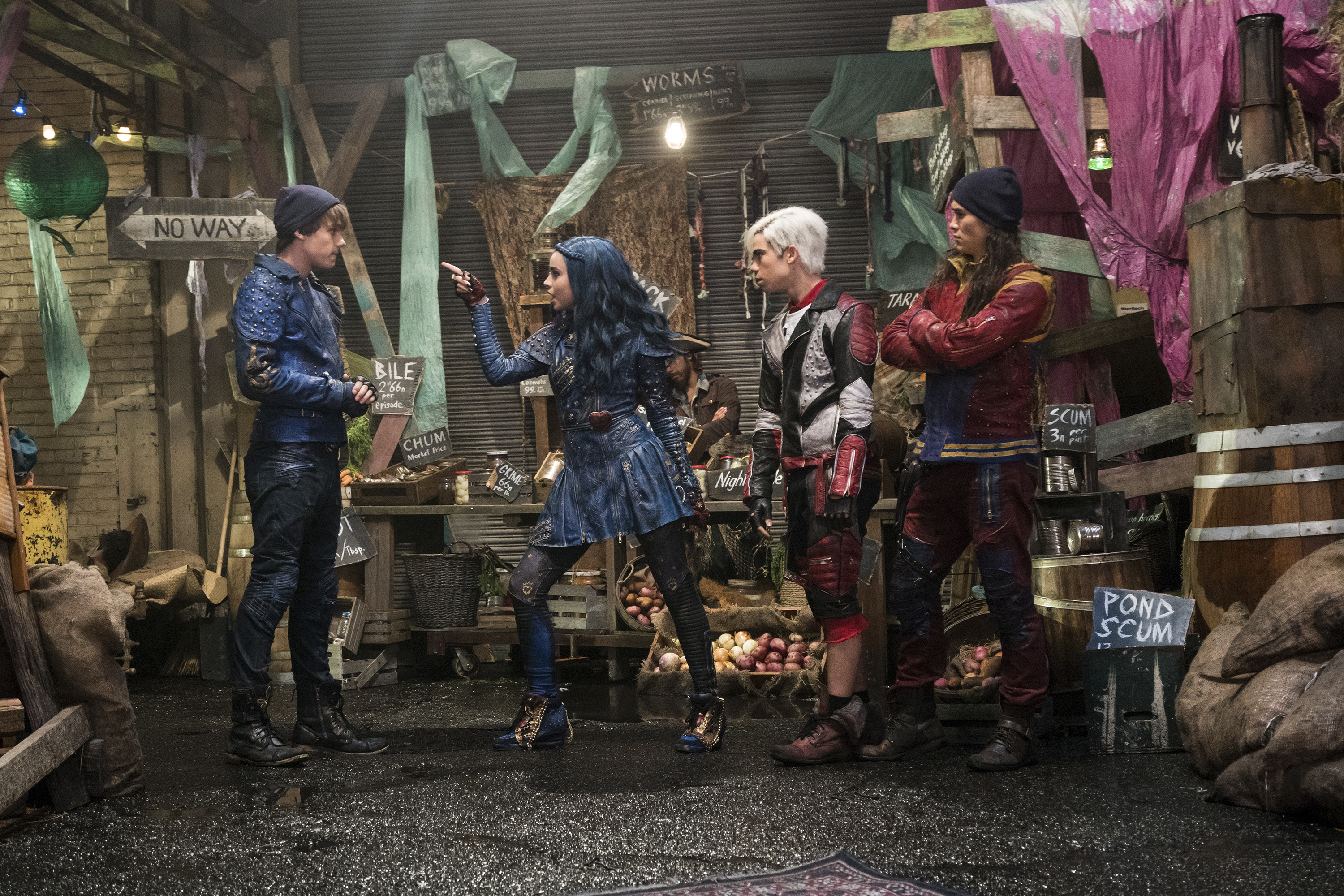 disney's descendants 2 movie - 900×600