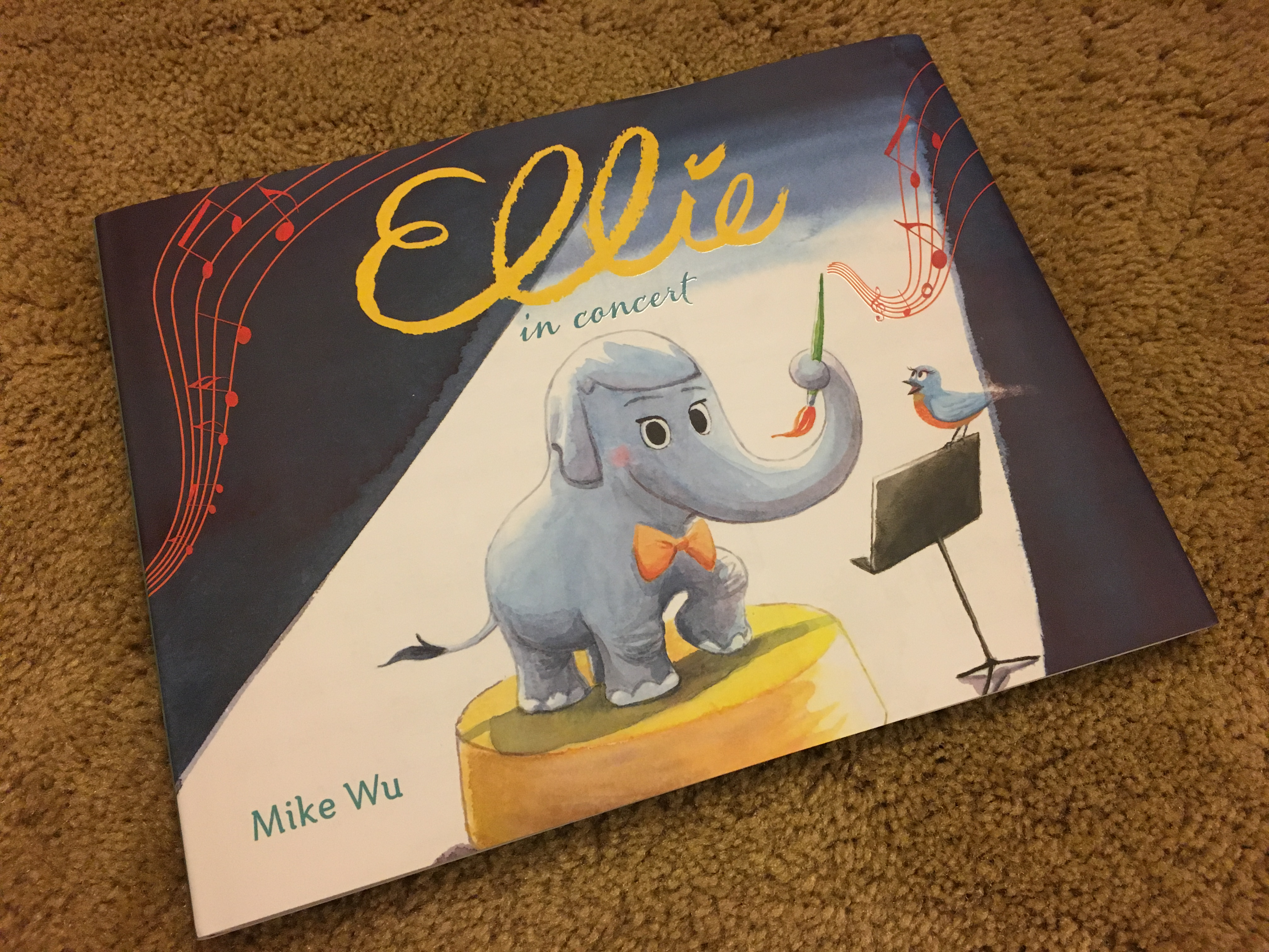Talk About Your Bonus Material! – Ellie In Concert (book review)