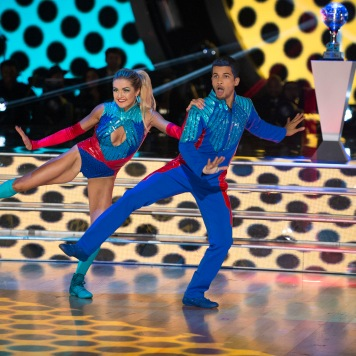 Lindsay and Jordan have an AMAZING dance number - truly super heroic dancing