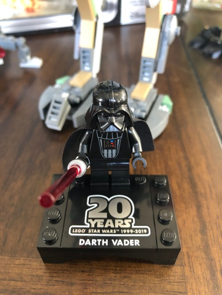 Love the Darth minifig!