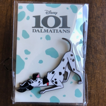 Front side of the Mondo Pongo pin from the 101 Dalmatians collection